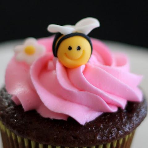 הדרכה להכנת דבורים מתוקות מבצק סוכר