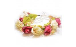 זר פרחים צבע קרם וורוד עם סרט
