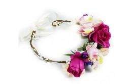 זר פרחים מהודר לראש בצבעי סגול לבנדר, וורוד פוקסייה וורוד בייבי