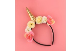 קשת חד קרן פרחים וקרן מוזהבת