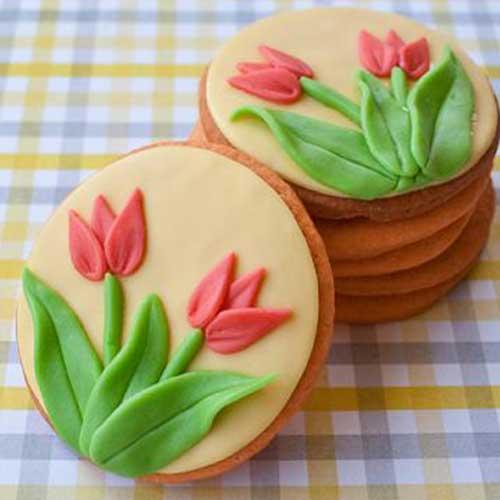 עוגיות מעוטרות בבצק סוכר
